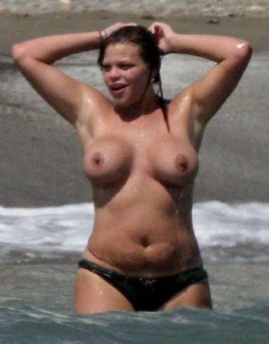 Uk topless pics