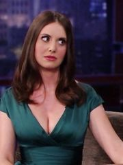 Alison Brie Sexy – Jimmy Kimmel Live, 2011