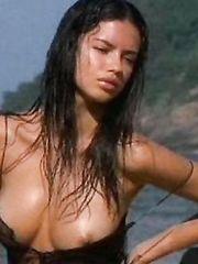 Adriana Lima – Nip slip, 2004