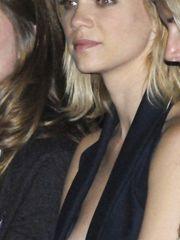 Amy Smart – boob oops, 2007