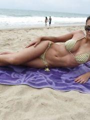 Adrianne Curry – bikini, 2010