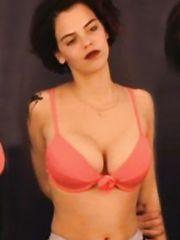 Camilla Renschke Sexy – Schlaraffenland, 1999