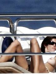 Cindy Crawford – topless on a yacht, 2007