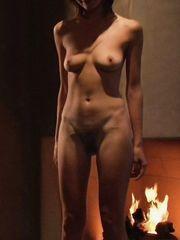 Emily Mortimer Naked – Lovely & Amazing, 2001