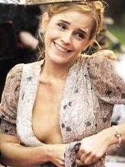 Emma Watson – panty flash, 2009