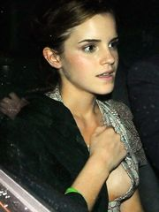 Emma Watson – side boob, 2009
