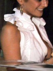 Emmanuelle Chriqui – Nip slip, 2007