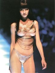 Gisele Bundchen – Topless on a Catwalk, 1999