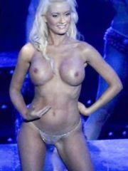 Holly Madison Topless – PeepShow, 2009