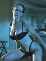 Jamie Lee Curtis Sexy – True Lies, 1994