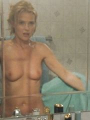 Katharina Bohm Nude Tits– Die Braut meines Freundes, 2001