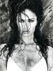 Maria Grazia Cucinotta Sexy – 1997 Calendar, 1996