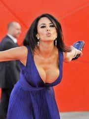 Maria Grazia Cucinotta Sexy – Baaria Premiere, 2009