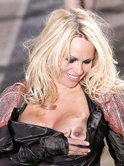 Pamela Anderson Nip Slip – Vivienne Westwood Fashion Show, 2009