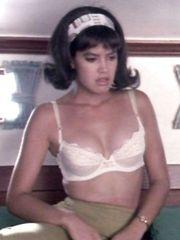 Phoebe Cates Sexy – Shag, 1989