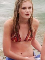 Sara Paxton Sexy – Summerland, 2004
