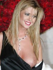 Tara Reid – breast oops, 2004