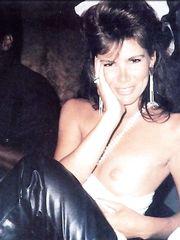Tawny Kitaen – flashing paparazzi, 1995
