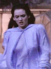 Winona Ryder See-Through – Dracula, 1992