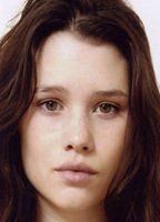 Nude Astrid Berges-Frisbey