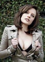 Nude Elisabeth Moss