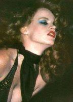 Nude Lisa De Leeuw