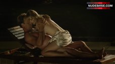 Kate Levering Sexy Scene – Breaking The Girls