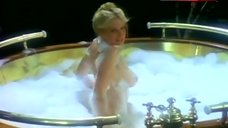 Dorothy Stratten Bubbles On Boobs – Hugh Hefner: Once Upon A Time
