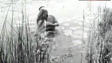 2. Liv Ullmann Topless – Ung Flukt