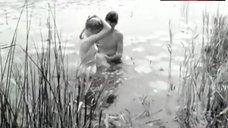 Liv Ullmann Topless – Ung Flukt
