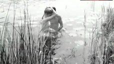 4. Liv Ullmann Topless – Ung Flukt