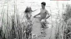 6. Liv Ullmann Topless – Ung Flukt