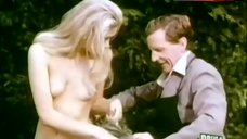 Penny Brahms Topless Scene – Games That Lovers Play