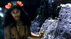 Vanity Naked Topless – Tanya'S Island