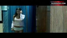Hot Sandra Mccoy in Dorm Bathroom – Cry_Wolf