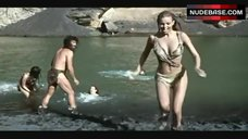 Raquel Welch Wet – One Million Years B.C.