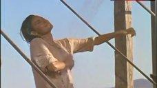 4. Raquel Welch in Wet Shirt – 100 Rifles