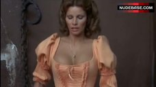 Raquel Welch Bouncing Boobs – The Four Musketeers