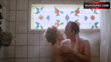 Tuesday Weld in Bathroom – Serial
