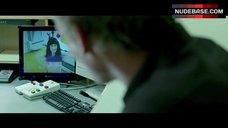 Carice Van Houten Shows Tits on Camera – Komt Een Vrouw Bij De Dokter