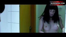 Carice Van Houten Naked Boobs in Mirror – Komt Een Vrouw Bij De Dokter