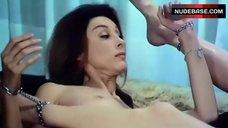 Claire Wilbur Nude in Lesbi Scene – Score