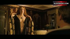 4. Naked Kate Winslet Drawing Scene – Titanic