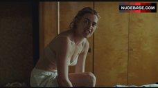 1. Kate Winslet Naked in Bathtub – The Reader