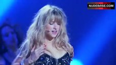Haley Bennett Sexy On Stage – Music And Lyrics