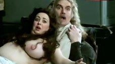 Liz Ewing Bare Tits and Butt – Gentlemen'S Relish