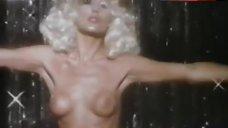 Fiona Richmond Striptease – Love Trap