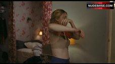 Greta Gerwig Hot – Lola Versus