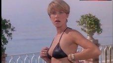 Loryn Lockin Sexy in Bikini – Taking Care Of Business