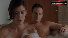 Lizzy Caplan in Bathtub – Masters Of Sex